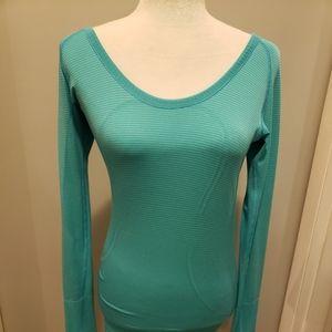 EUC Lululemon Long Sleeved Blue Swiftly Top Size 6